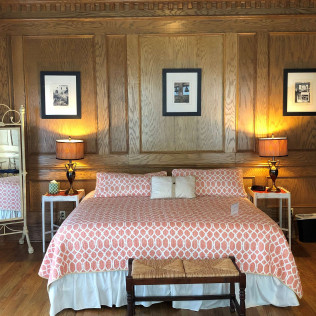 bedroom accommodations at Lexington Village Theatre